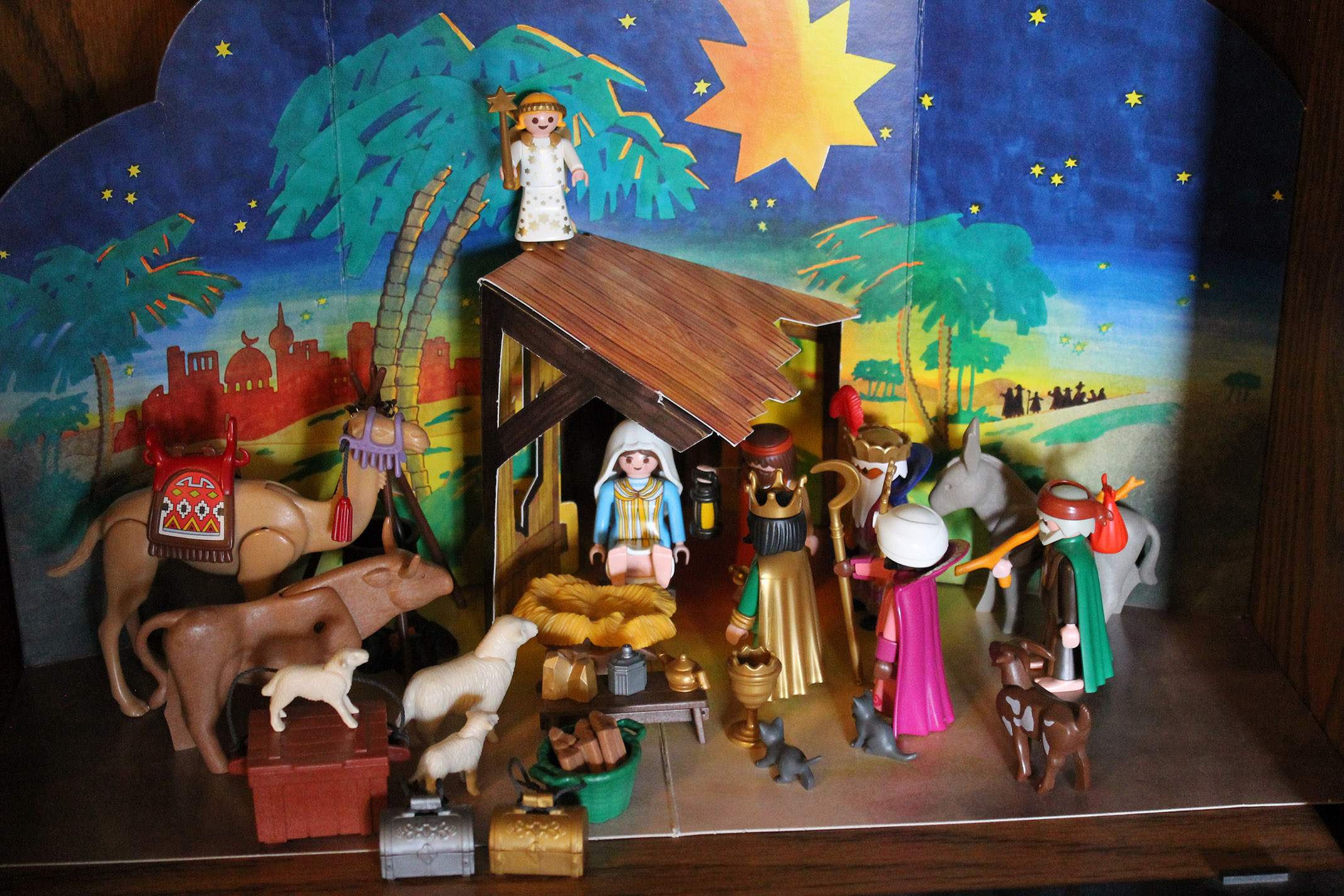 The wisemen reach the manger.